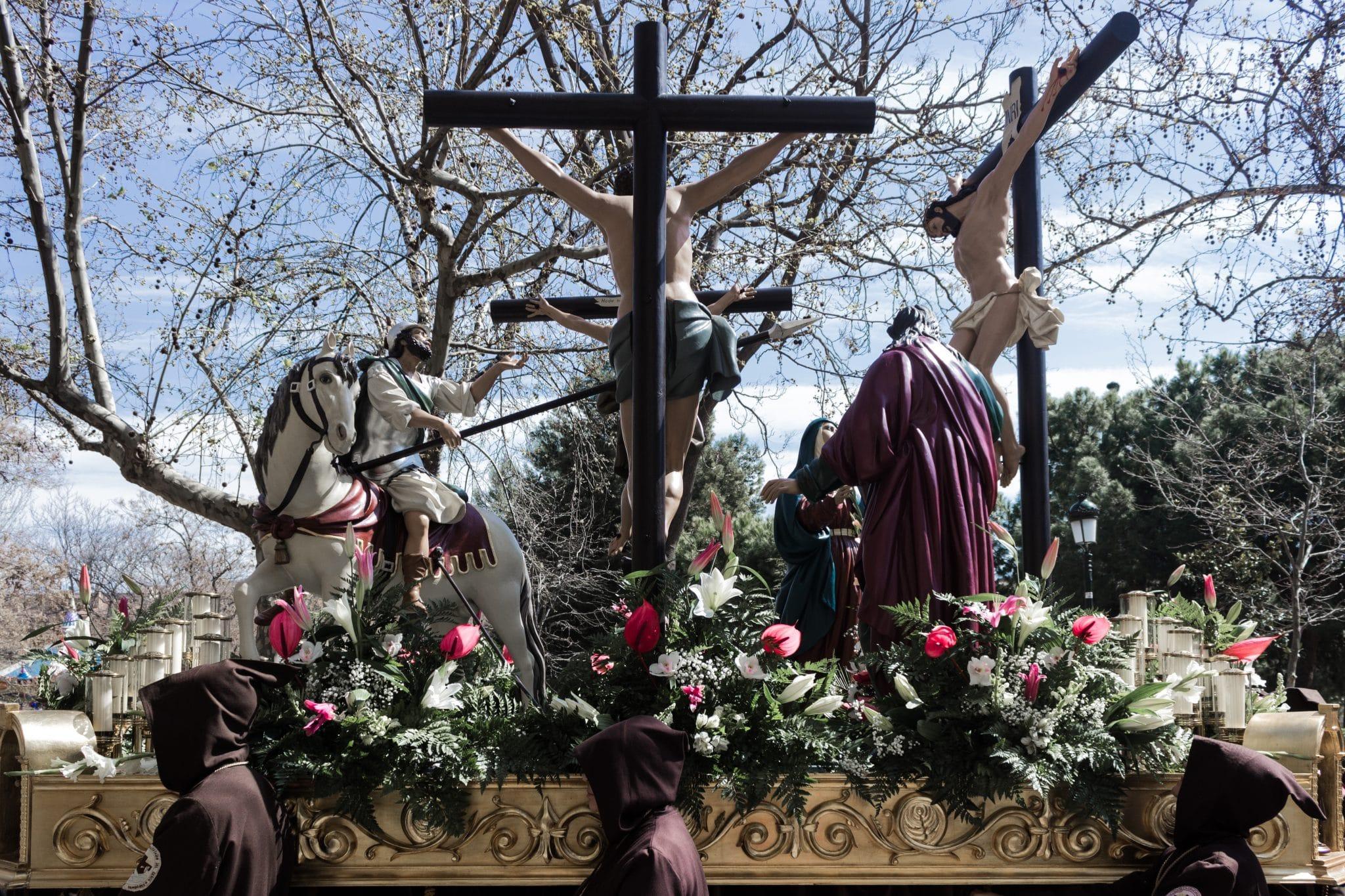 Semana Santa en Zaragoza - Procesion Titular Crucifixión