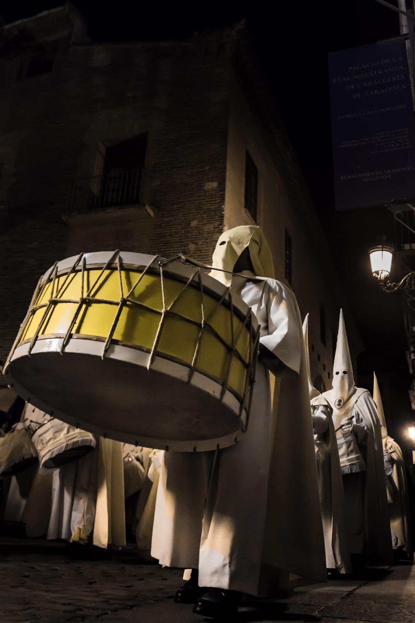 Semana Santa en Zaragoza - Procesion Titular Eucaristía