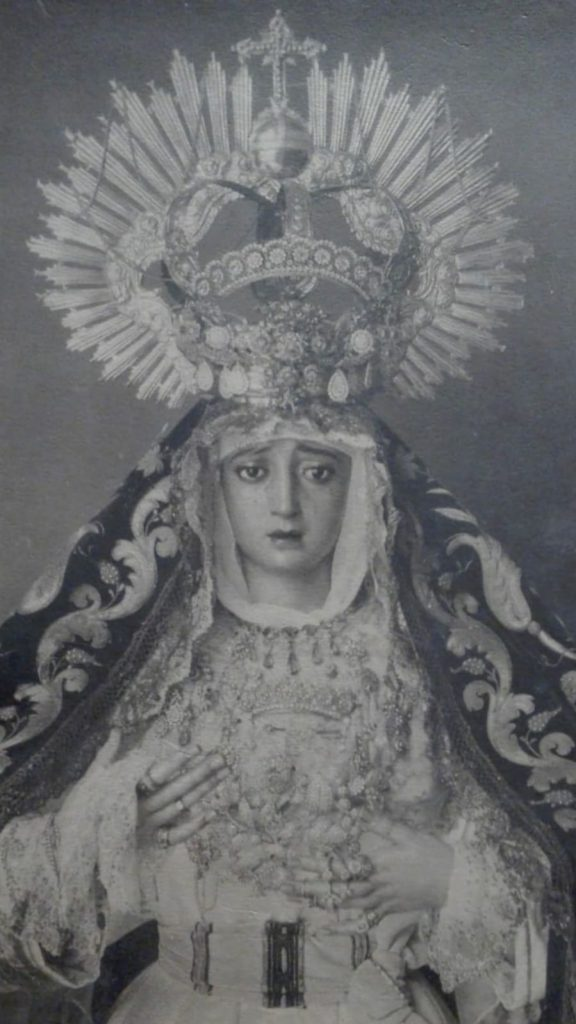 Virgen de Montserrat Sevilla